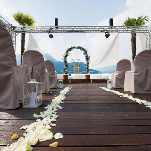 lake_como_beach_restaurant_wedding_005