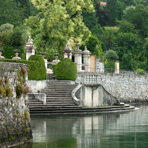 lake_como_exclusive_italian_villa_004