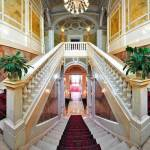 Luxury_Hotel_Staircase_Bellagio