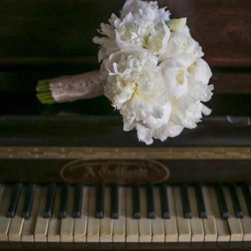 Lakecomoweddingsandevents_bouquet.